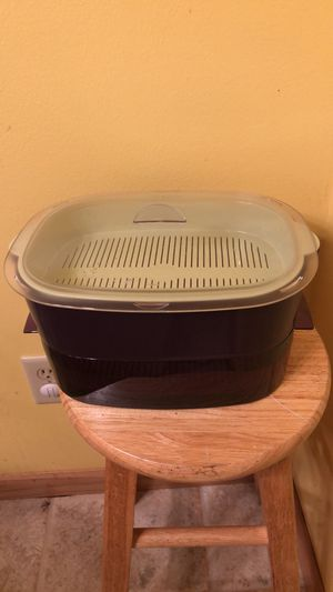 Tupperware 2 tier microwave steamer for Sale in Portage, IN