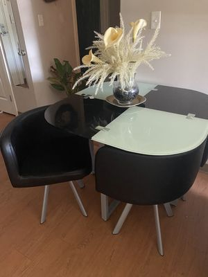 Small cute Dinning Table for Sale in Boston, MA
