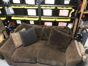 Love Seat - FREE for Sale in Auburn, WA