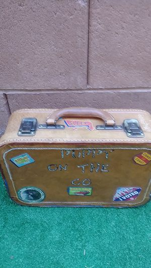 Pet bed suitcase for Sale in Las Vegas, NV