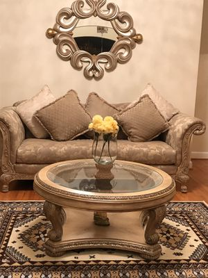 Queen Anne Sofa Set - include tables -lamps and rug 9 piece for Sale in Virginia Beach, VA