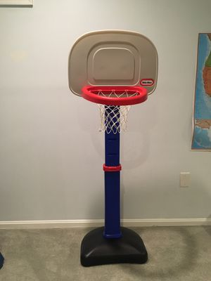Little Tikes adjustable basketball hoop for Sale in Sterling, VA