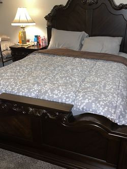BEDROOM SET for Sale in Fresno,  CA