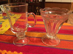 2 Pieces of Vintage Glassware for Sale in Altadena, CA