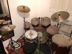 Pearl 7 piece Drum Set with Double Bass Pedals for Sale in Corte Madera, CA