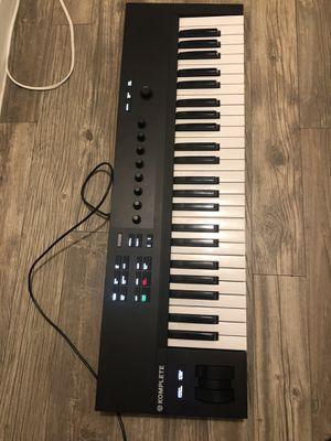 Native Instruments Komplete Kontrol A 49 KEY MIDI USB KEYBOARD READ DESCRIPTION for Sale in Houston, TX
