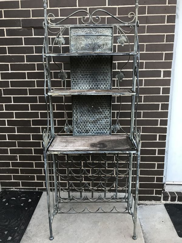 Wine rack with shelves