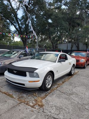 2006 FORD MUSTANG LUX V6 5 speed stick shift RED INTERIOR Clean Florida title for Sale in Orlando, FL