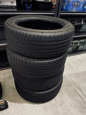 225/55/18 Goodyear eagle sport all season for Sale in Puyallup, WA