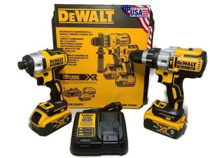 DeWalt 20V MAX XR Hammer Drill/Impact Combo Kit w/ (2) 5Ah Batteries DCK299P2 for Sale in Tacoma, WA