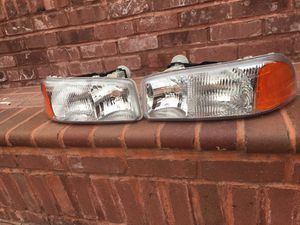 gmc sierra headlights for Sale in Dinuba, CA