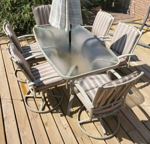 Beautiful 8 piece aluminum patio table and chairs by Century Furniture for Sale in Morton Grove, IL