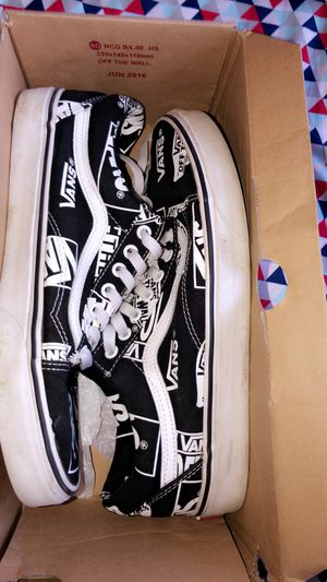 Vans size 9.5 for Sale in Alhambra, CA
