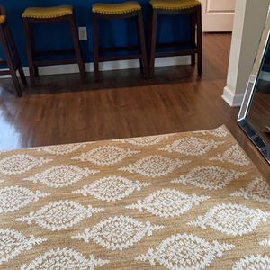 5x7 Paisley Tufted Area Rug for Sale in McDonough, GA