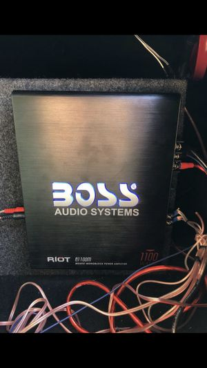 Boss Audio Systems Amplifier. 1100 Watts. (Wires not included) for Sale in Grand Isle, VT