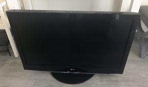 LG TV ~ 42 inch w/ Stand for Sale in Miami Beach, FL