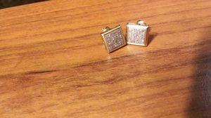 Gold diamond earring for Sale in Phoenix, AZ