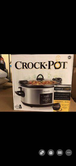 Crock Pot 7 quart programmable slow cooker w/ thermal bag for Sale in Alpharetta,  GA