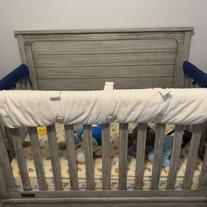 Simmons Convertible Crib for Sale in Houston, TX