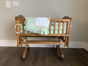 Gliding cradle crib for Sale in Federal Way, WA