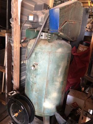 Champion 80 gallon 5hp 2 phase compressor for Sale in BROOKSIDE VL, TX