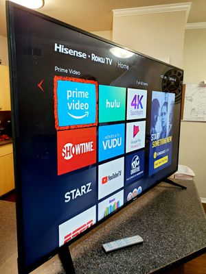 """Hisense 65"""" Smart TV UHD HDR 4k!! Excellent picture for Sale in Mesa, AZ"""