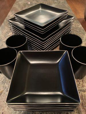 Kitchen dish set for Sale in Strasburg, VA