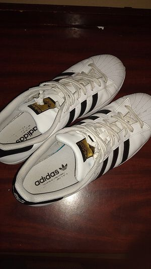 Adidas Superstar men's size 10 1/2 for Sale in Linthicum Heights, MD