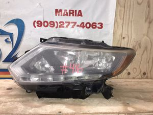 2014-2016 Nissan Rogue Headlight driver side for Sale in Eastvale, CA