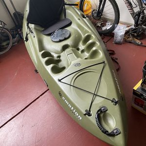"""10' Fishing Kayak With 96"""" Angler Paddle for Sale in Oakland, CA"""
