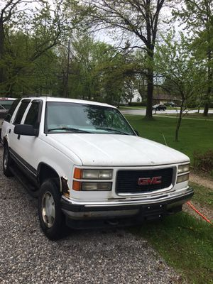 1999 Yukon GMC parts Cheap for Sale in Cleveland, OH