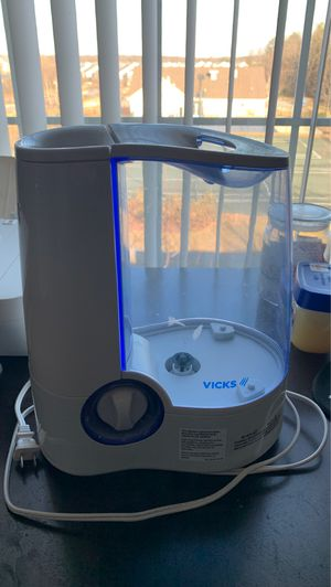 Vick's Humidifier for Sale in Laurel, MD