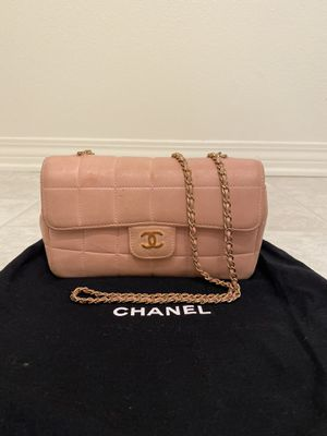 Auth CHANEL Chocolate Bar Chain Crossbody Bag for Sale in Ontario, CA