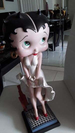 Betty Boop statue. Solid and heavy. The head was detached at one point and is now glued on but it is still a gorgeous piece and you cannot notice it. for Sale in Pompano Beach, FL