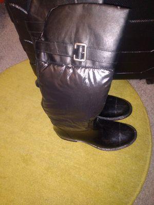 Ladies rain boots 8 excellent condition for Sale in Alexandria, VA