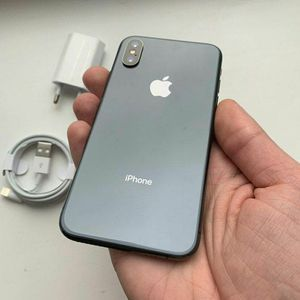 iPhone XS 64GB space grey for Sale in The Bronx, NY