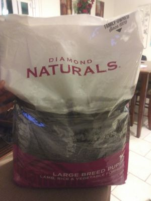 Diamond Natural puppy food 40lbs for Sale in San Antonio, TX