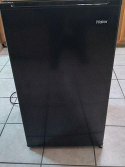 Haier 3.3 Cu. Ft. Mini Fridge for Sale in Addison,  IL