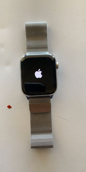 BRAND NEW Apple Watch Series 5 for Sale in Glendale, AZ