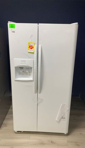 BRAND NEW!! FRIGIDAIRE LFSS2612TP REFRIGERATOR TW for Sale in Lakewood, CA