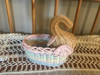 Adorable vintage wicker plant holder for Sale in Spokane,  WA