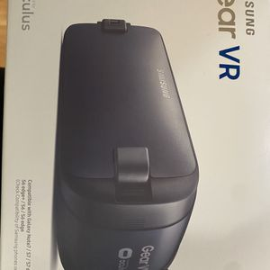Samsung Gear VR 2 Oculus Virtual Reality Headset 2016 SM-R323 Blue / Black USB-C for Sale in Covington, WA