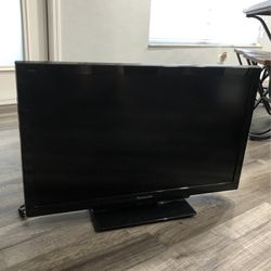 Panasonic 32 LCD TV for Sale in Cape Coral,  FL