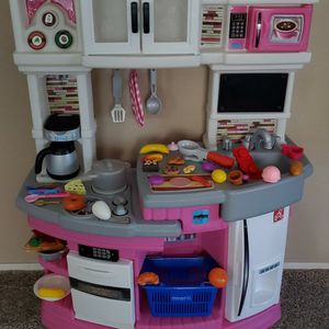 Step 2 Play Kitchen for Sale in Laveen Village, AZ