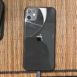 Black iphone 11 for Sale in Fort Myers,  FL