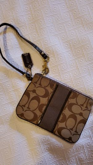 COACH Wristlet for Sale in Middleburg Heights, OH