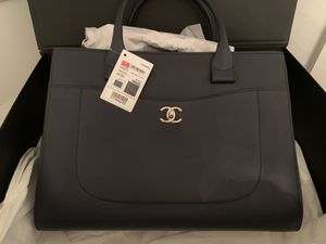 Chanel Neo Executive bag for Sale in Huntington, NY