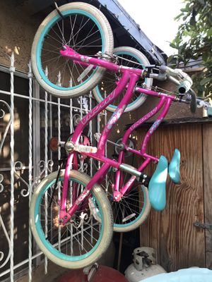 """20"""" MAGNA girl bikes selling 2 price for each! for Sale in South Gate, CA"""