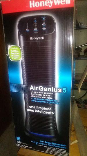 Honeywell air genious 5 purifier for Sale in Turlock, CA