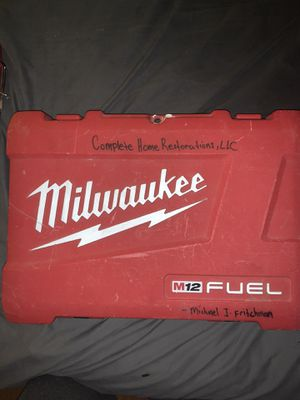 Milwaukee drill, 3 batteries, brand new bits, 25/100ft tape measures for Sale in Bethlehem, PA